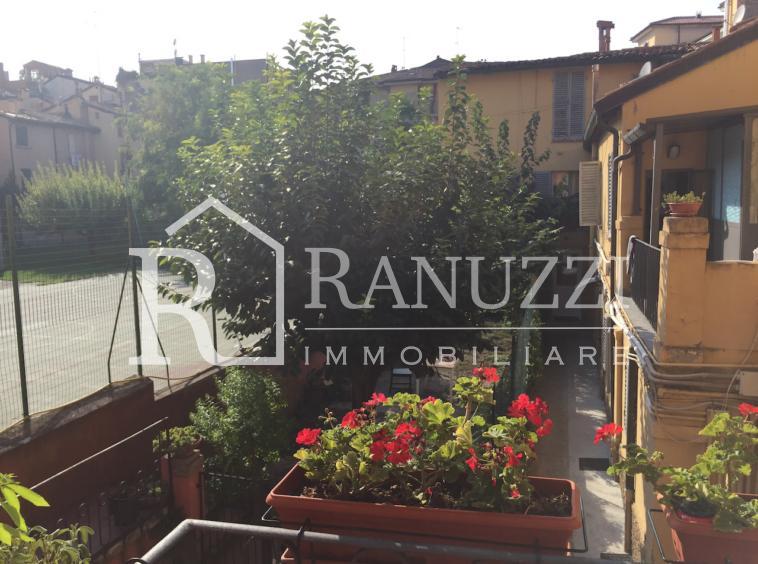 Bologna, Piazza S. Francesco_vista su giardino