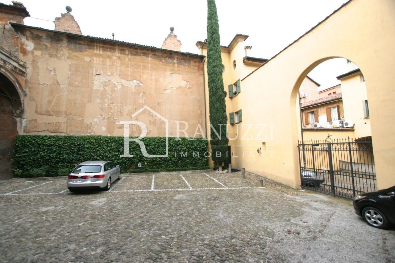 Barberia_Ufficio con parcheggio