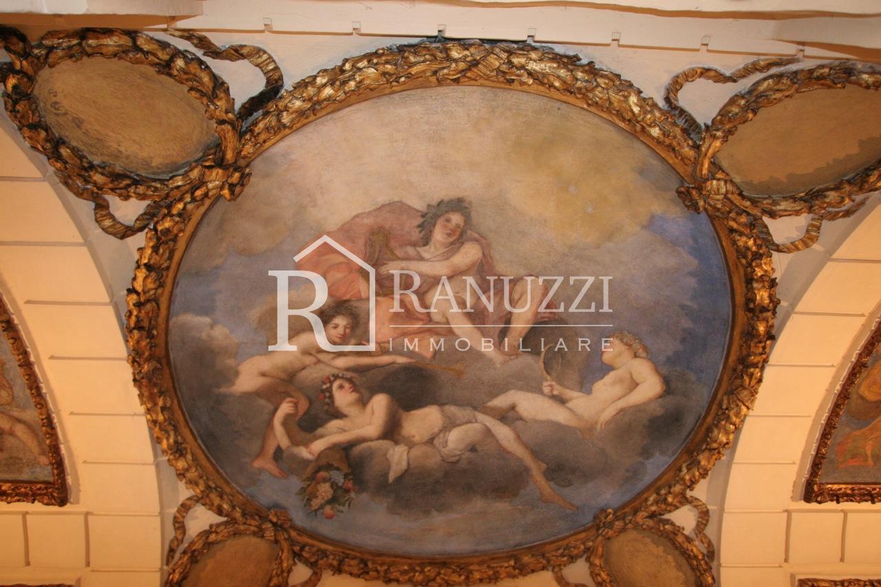 Barberia_Uffici di pregio con soffitti decorati