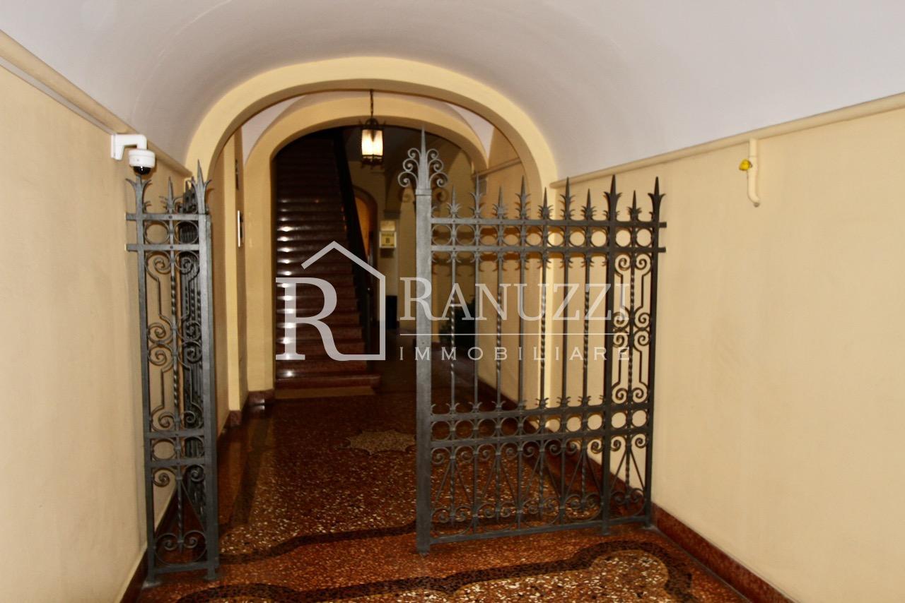 Battisti_grande bilocale_ingresso con cancello