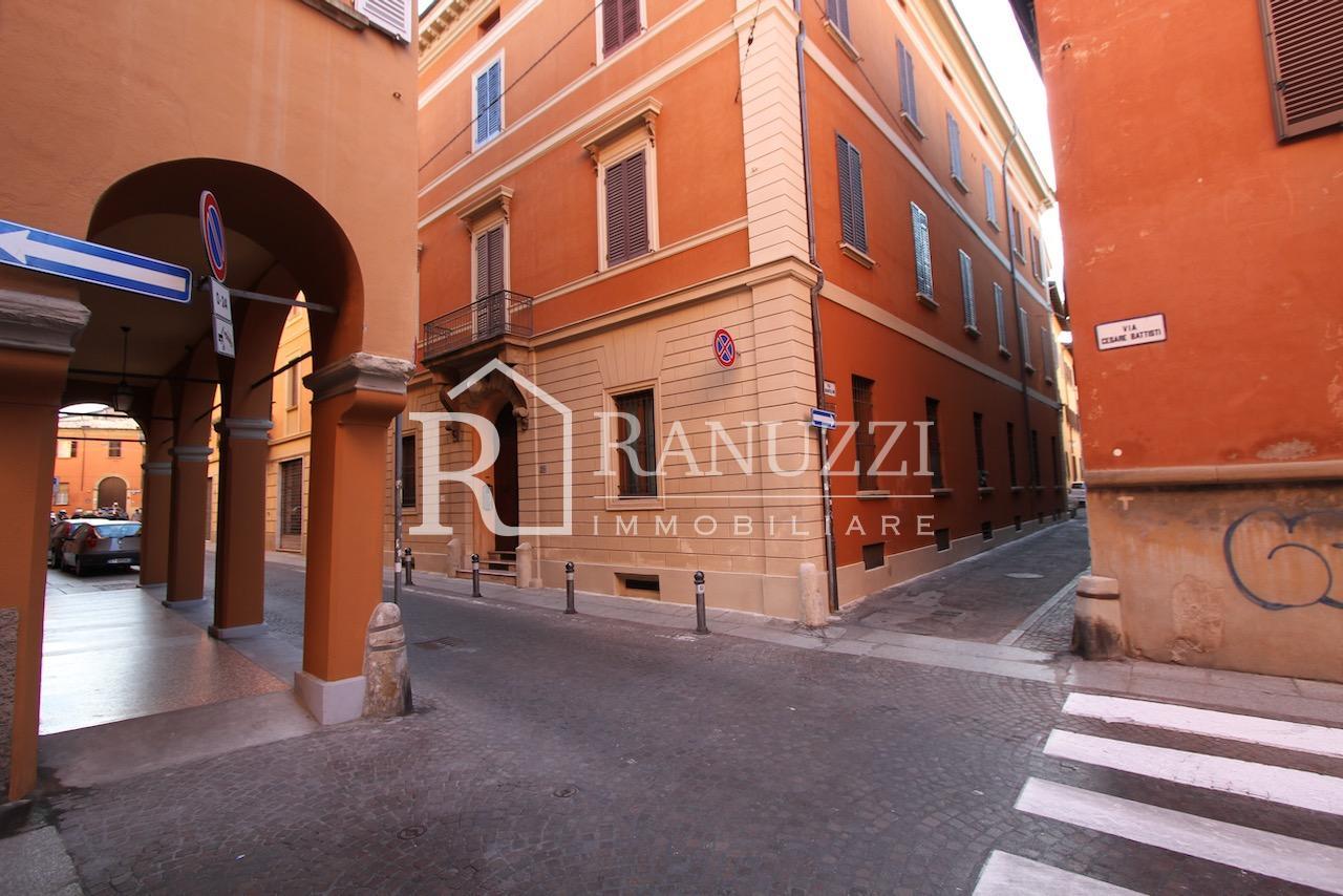 Battisti_grande bilocale_palazzo via Battisti
