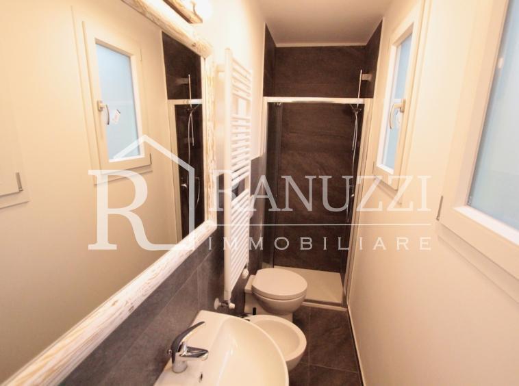 Via Arienti_bagno con doccia