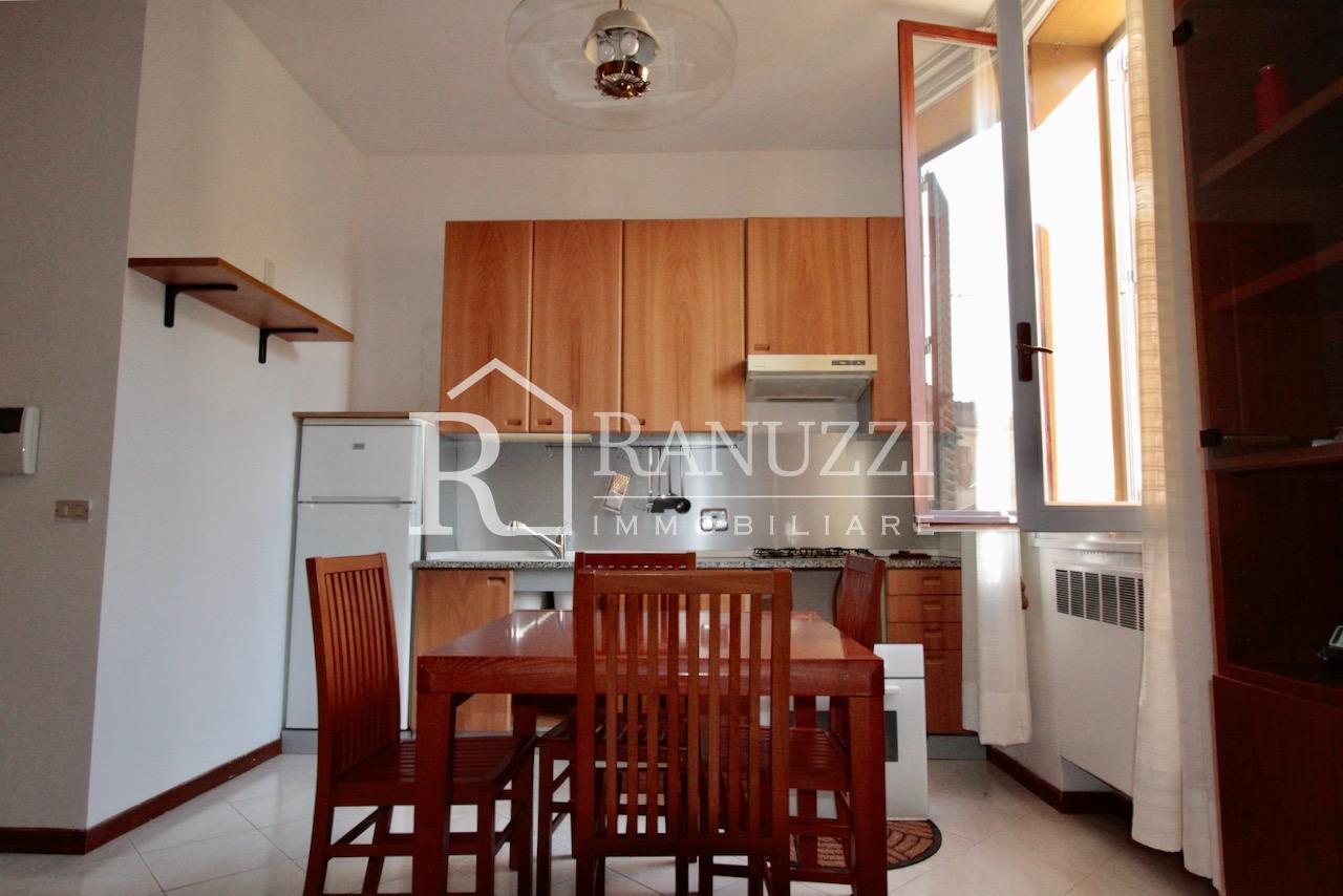 Battisti_bilocale_ampia cucina finestrata